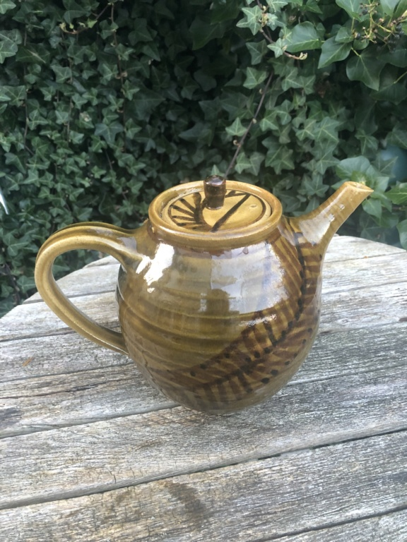 Slipware Teapot, Mystery EL EI EJ or E mark  Teapot17