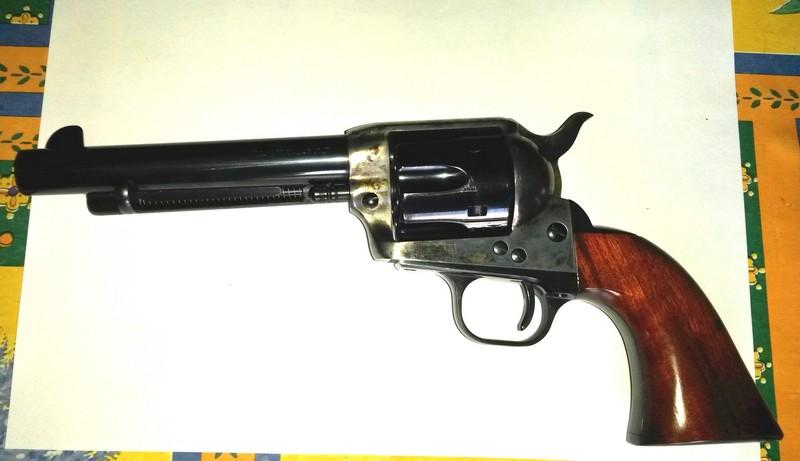 """Vends 2 Uberti 1873 cal. 45 LC 5""""1/2 Bronzz12"""