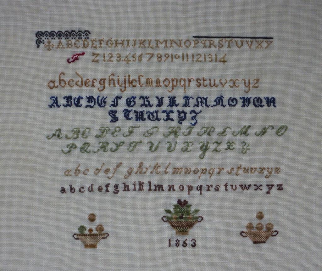 """""""Marquoir aux corbeilles 1853"""" de Michèle (Mic63) FINI!!!!!! - Page 2 P1080510"""
