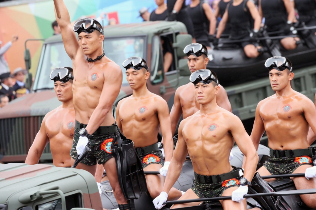 Examining Some Taiwanese Camos 10_10_10