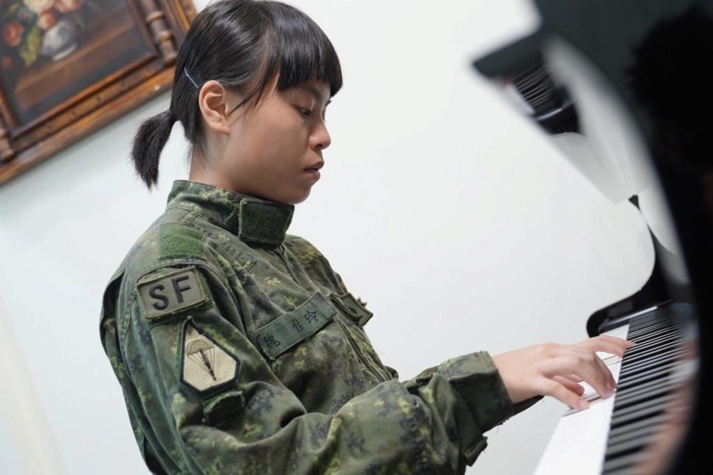Examining Some Taiwanese Camos 64392210
