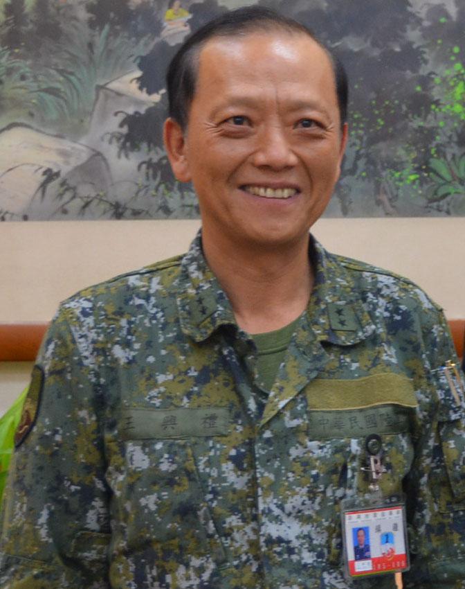 Examining Some Taiwanese Camos Army_r12