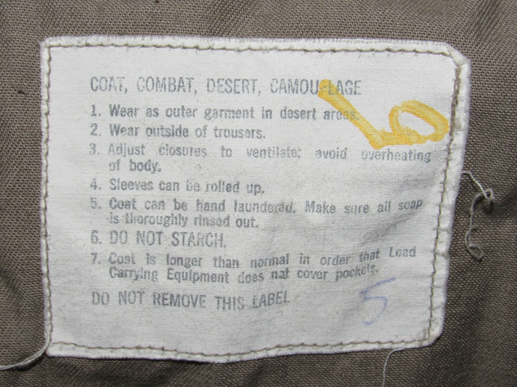 """Desert uniforms (DCU) - DESERT 6 colors """"Chocolate chip""""  dated 1984 - Page 2 Img_4725"""