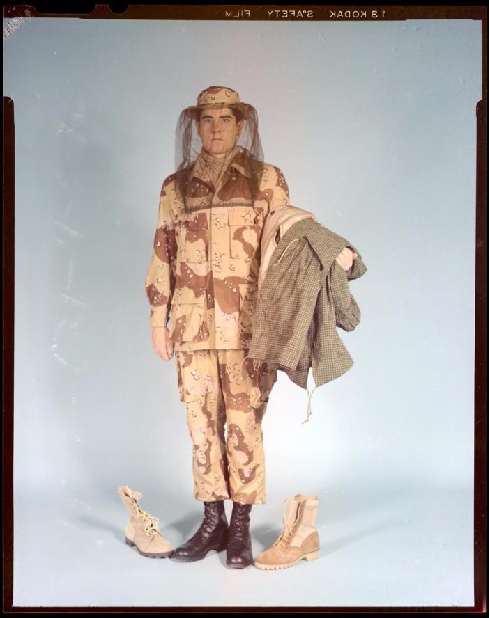 "Desert uniforms (DCU) - DESERT 6 colors ""Chocolate chip""  dated 1984 - Page 2 Unifor11"