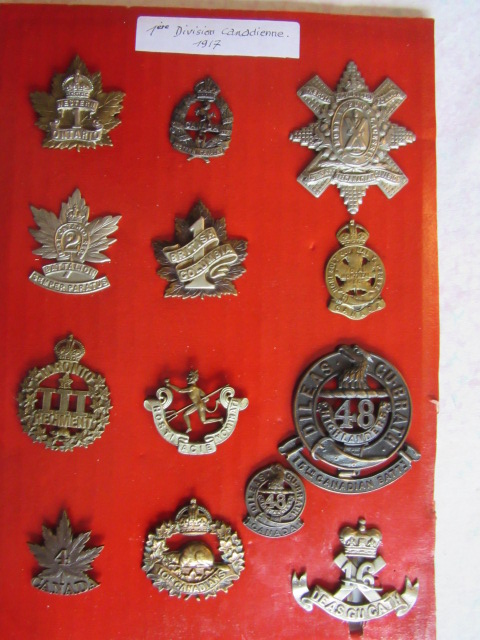 Cap badge WW1 NZ et CANADIEN Img_9766