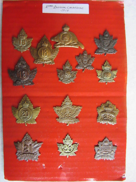 Cap badge WW1 NZ et CANADIEN Img_9767