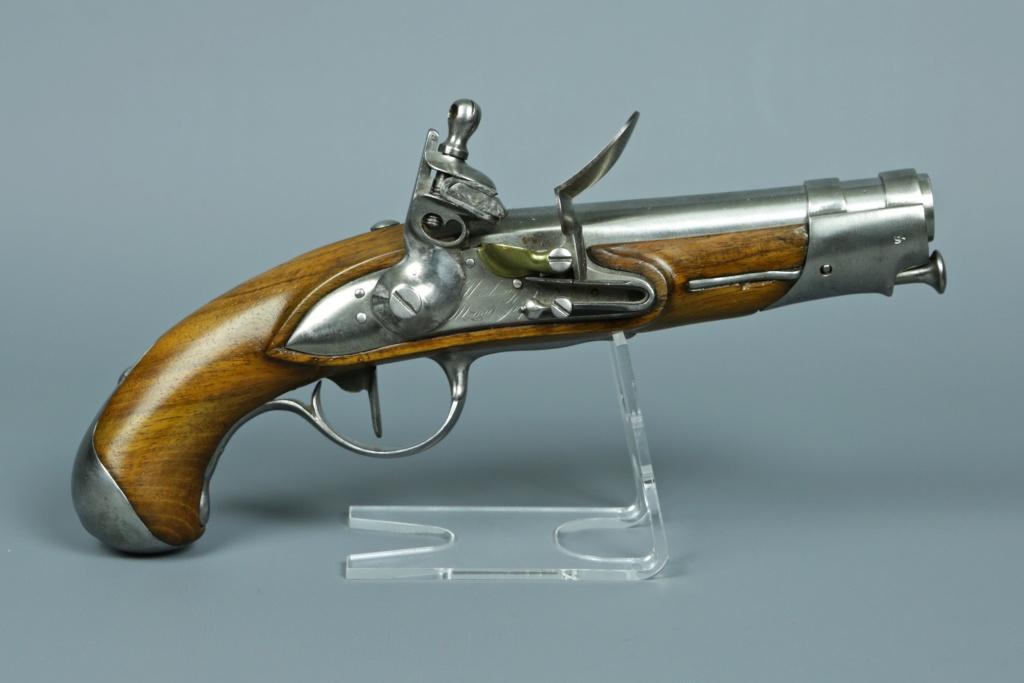 Aide identification pistolet à silex daté de 1811 Pistol10
