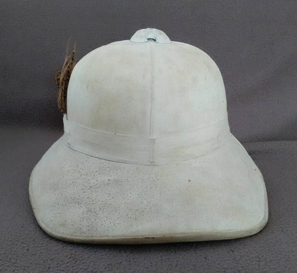 Un casque colonial modèle Wolseley d'un marin engagé en 1948 Img_2183