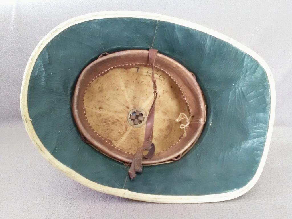 Un casque colonial modèle Wolseley d'un marin engagé en 1948 Img_2186