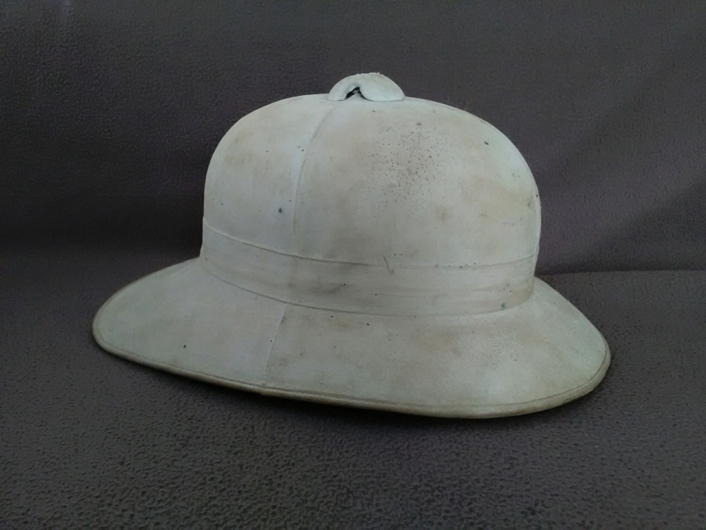 Un casque colonial modèle Wolseley d'un marin engagé en 1948 Img_2187