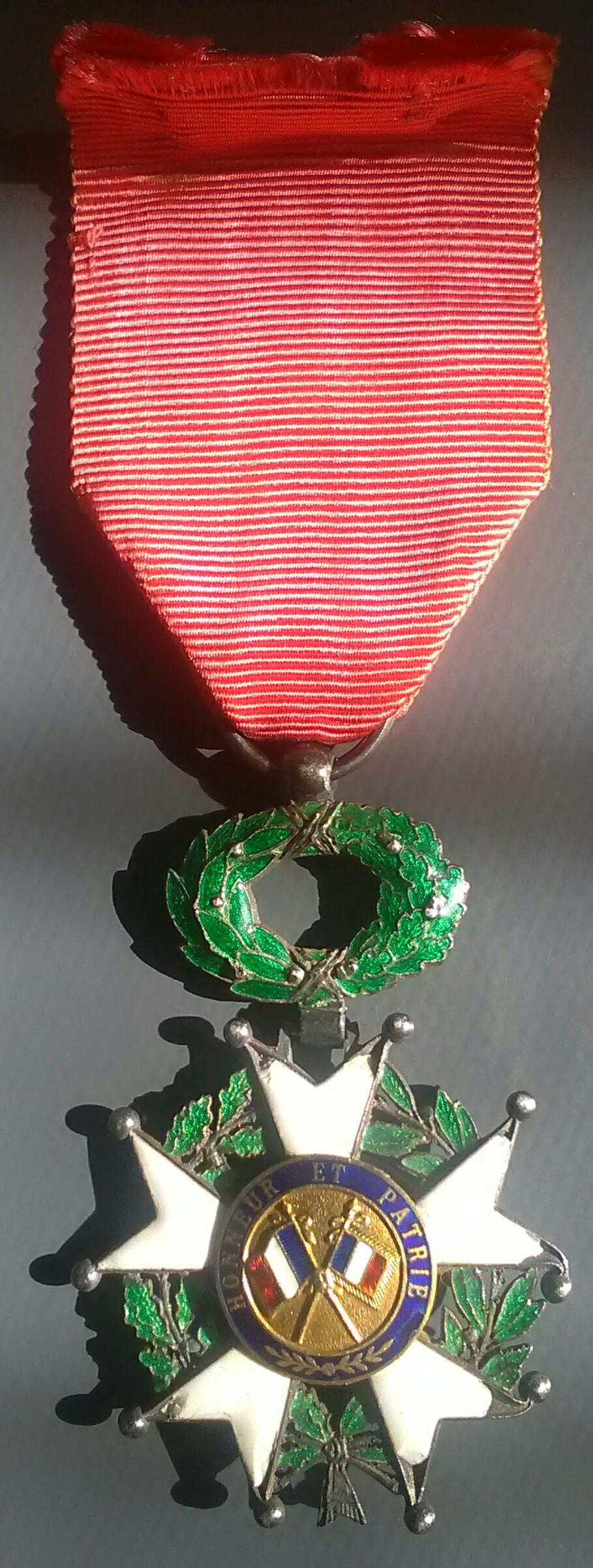 Légion d'honneur IIIème République - affiner une datation Img_2496