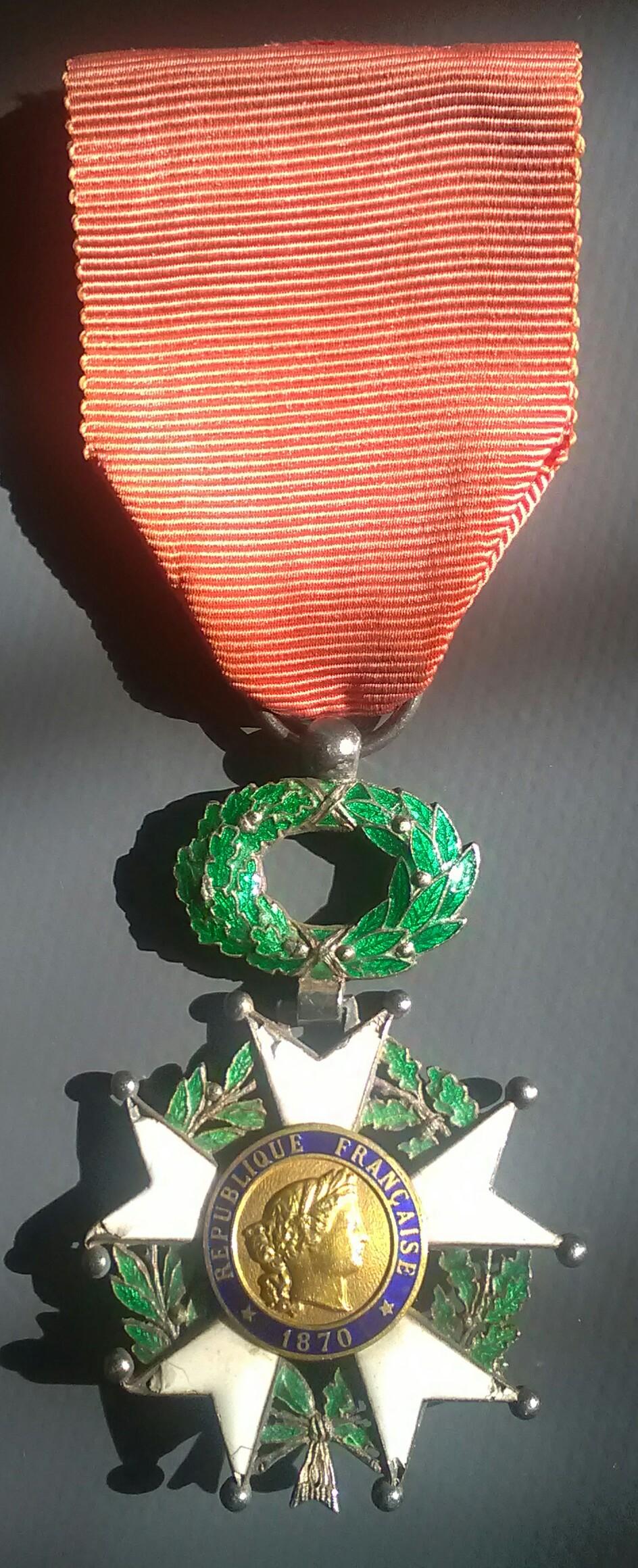 Légion d'honneur IIIème République - affiner une datation Img_2497