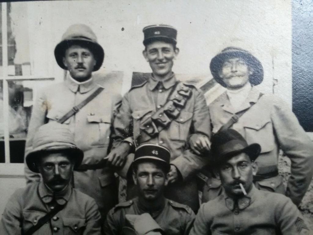 Français et Britanniques échangent leur coiffure à Salonique - mai 1918 Img_2554