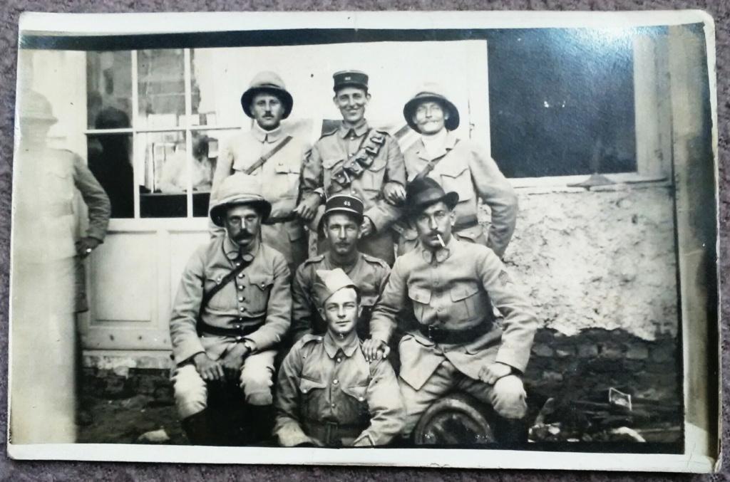 Français et Britanniques échangent leur coiffure à Salonique - mai 1918 Img_2555