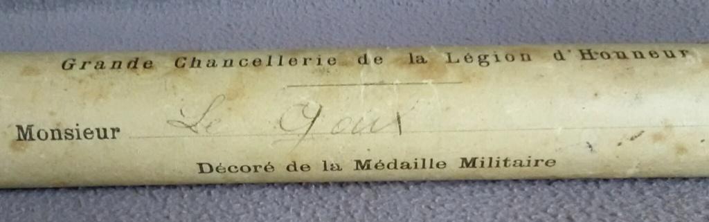 La médaille militaire pour le le lieutenant LE GOUX - Artillerie - 1923 Img_2809