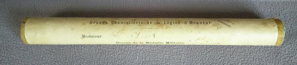La médaille militaire pour le le lieutenant LE GOUX - Artillerie - 1923 Img_2810