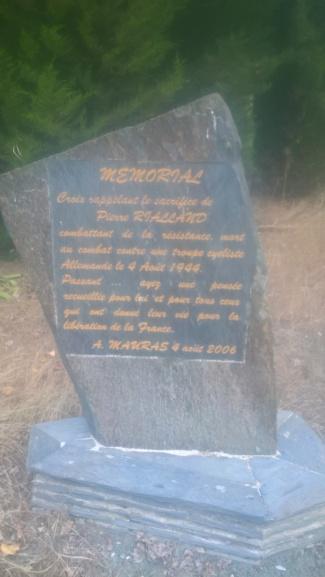 Monument à la mémoire de P. Rialland, résistant - Panezeg/Tilhieg Wp_20696
