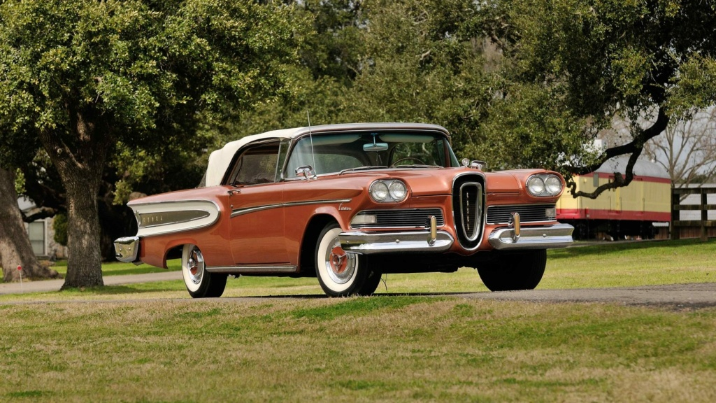 Bling in steel and leather 1958-e13