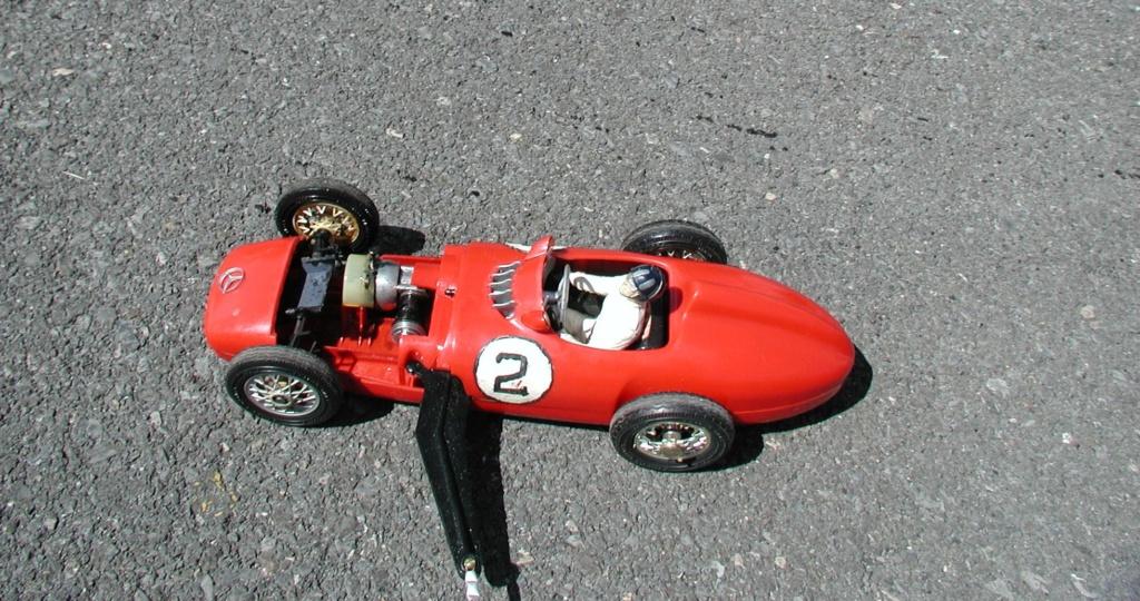 The number 2 Cox Mercedes - It's alive......... Cox_m166