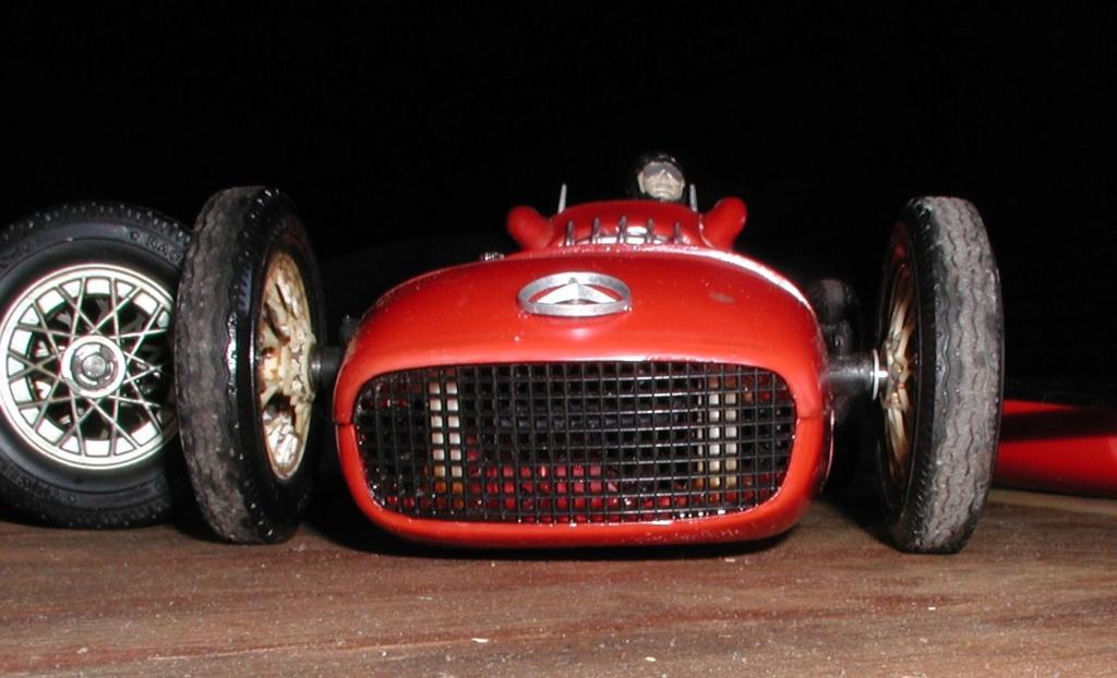 The number 2 Cox Mercedes - It's alive......... Cox_m172
