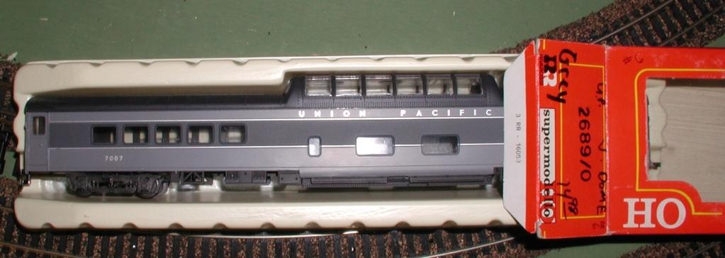 Rivarossi's FEF locomotive P1010174