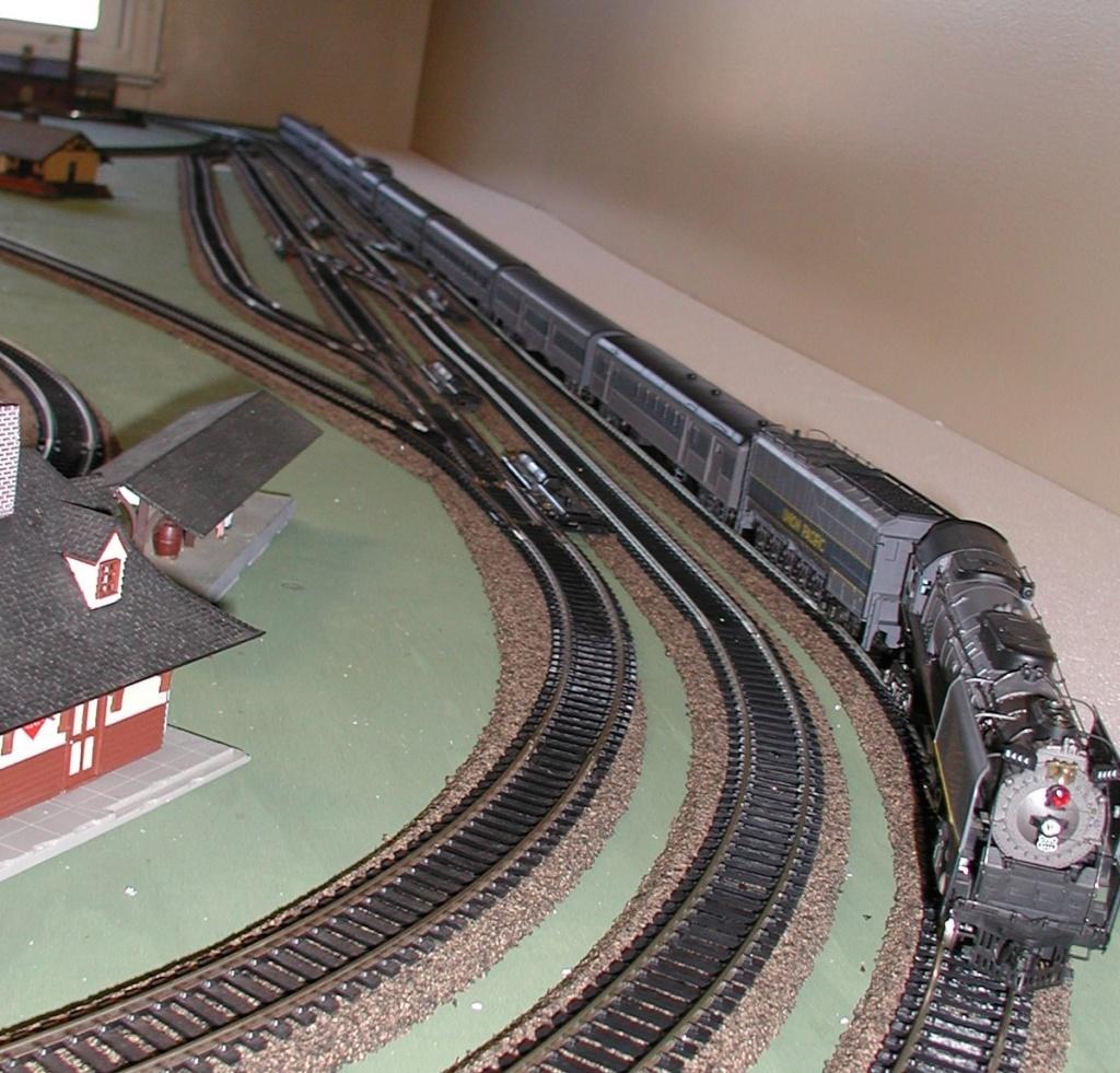 Rivarossi's FEF locomotive P1010178