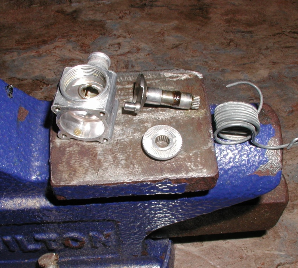 Cox P-40 engine boil P1010195