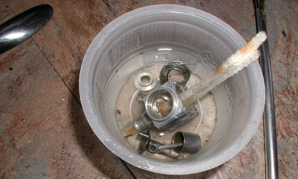 Cox P-40 engine boil P1010199