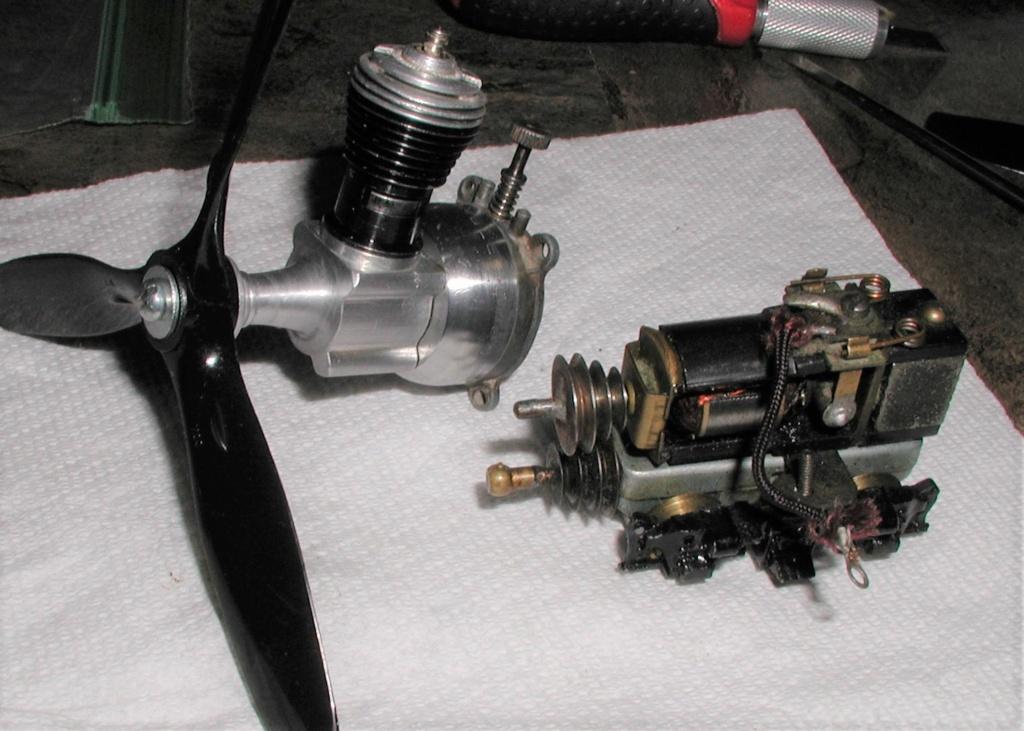 Cox P-40 engine boil P1010202