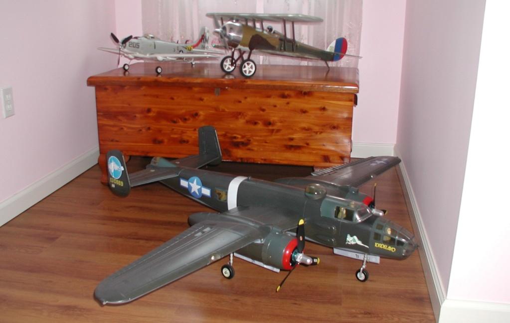 Cox planes on Ebay P1010363
