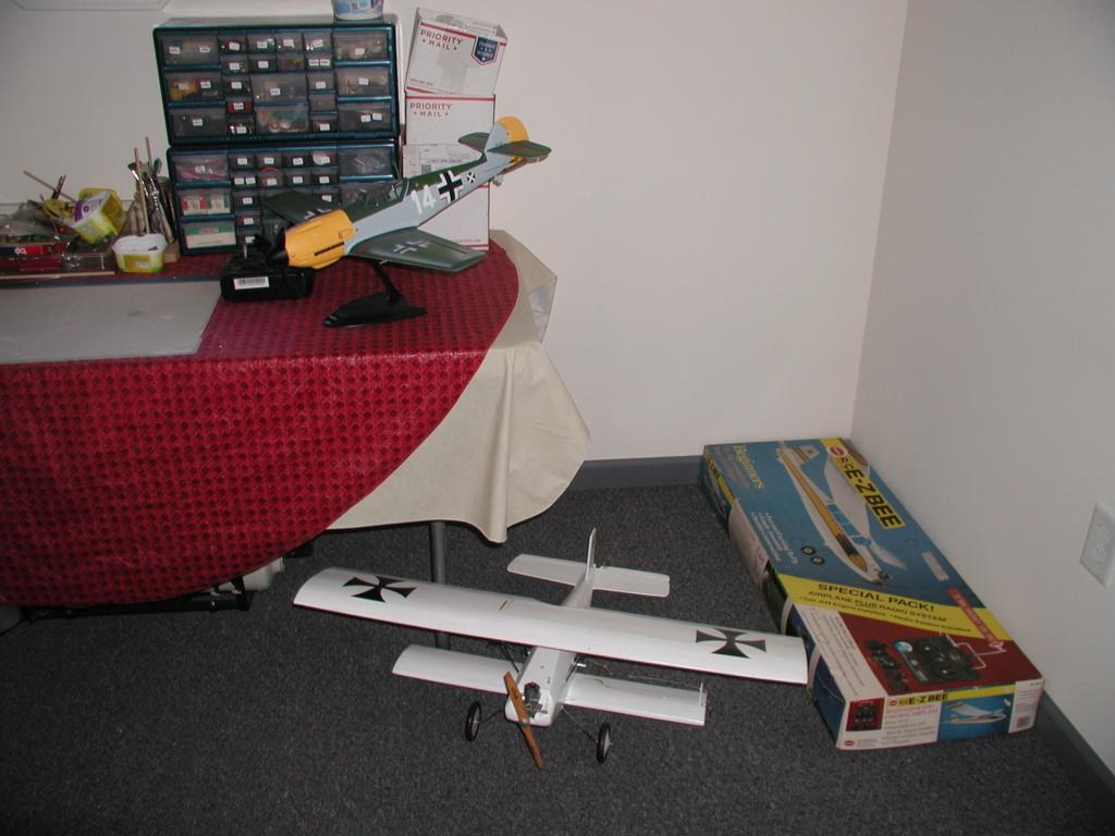 Cox planes on Ebay P1010365