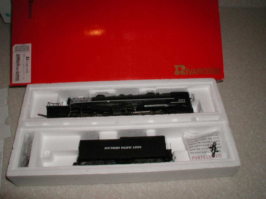 4-8-8-2 SP Cab Forward Steam Locomotive - Page 2 P1010724
