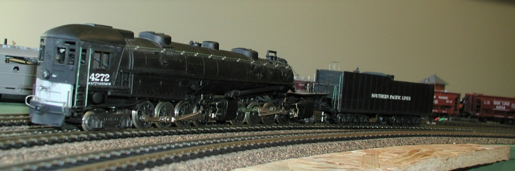 4-8-8-2 SP Cab Forward Steam Locomotive - Page 2 P1010729