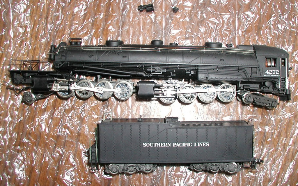 4-8-8-2 SP Cab Forward Steam Locomotive - Page 2 P1010731