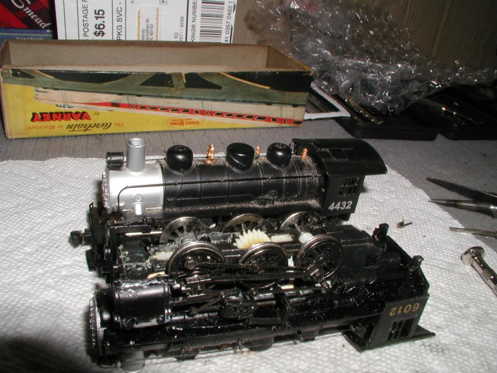 4-8-8-2 SP Cab Forward Steam Locomotive - Page 2 P1010739