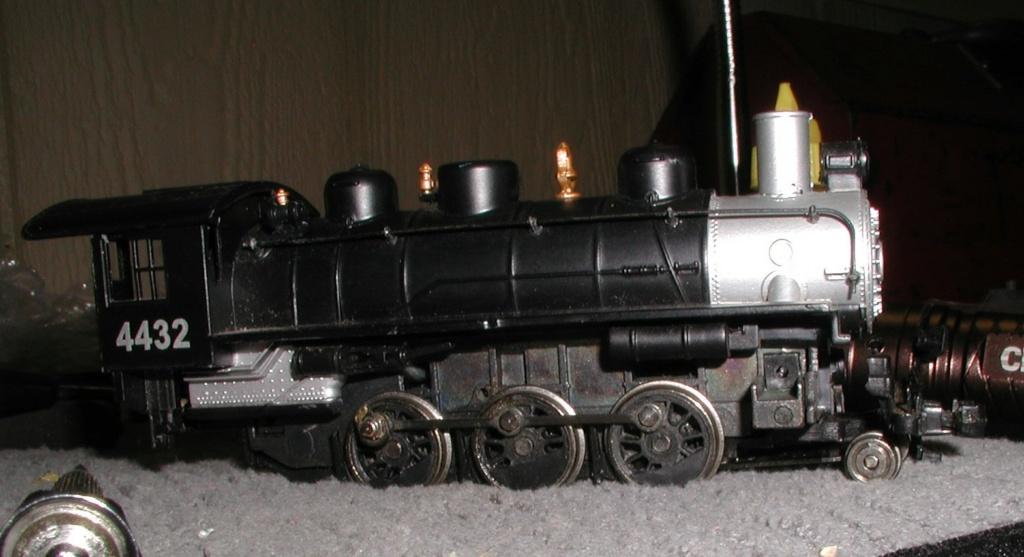 4-8-8-2 SP Cab Forward Steam Locomotive - Page 2 P1010741