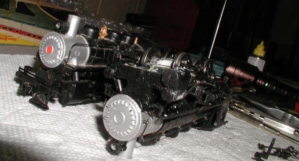 4-8-8-2 SP Cab Forward Steam Locomotive - Page 2 P1010742