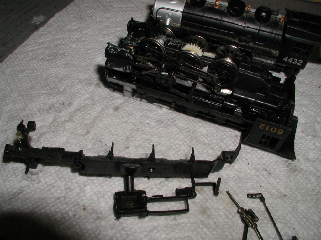4-8-8-2 SP Cab Forward Steam Locomotive - Page 2 P1010743