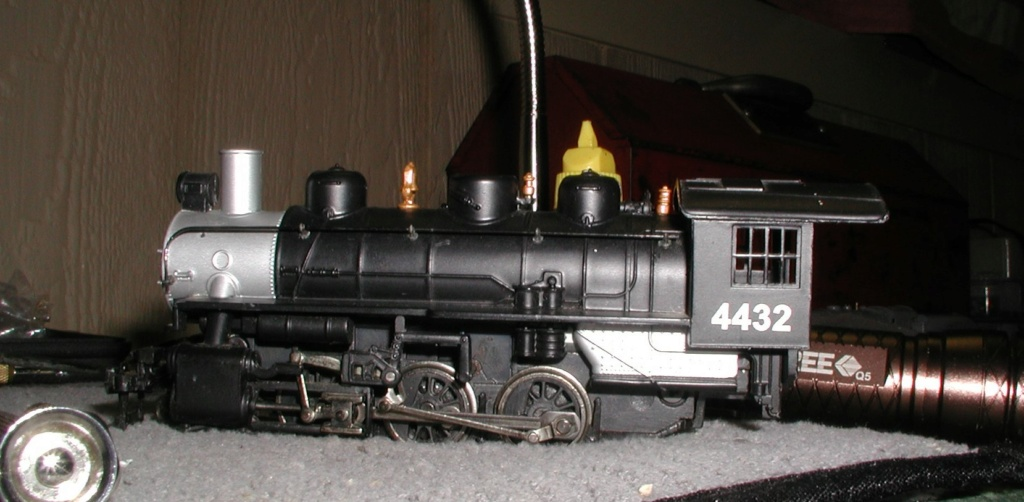 4-8-8-2 SP Cab Forward Steam Locomotive - Page 2 P1010744