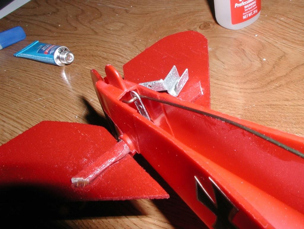 Plastic Cox/Testors Fly-em Junque P1011387