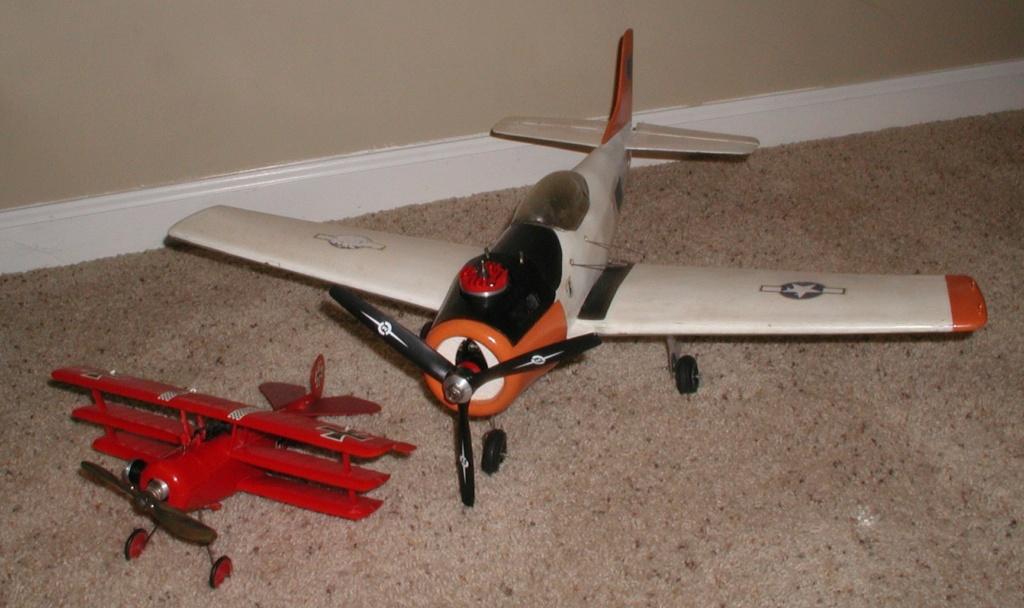 Plastic Cox/Testors Fly-em Junque P1011406
