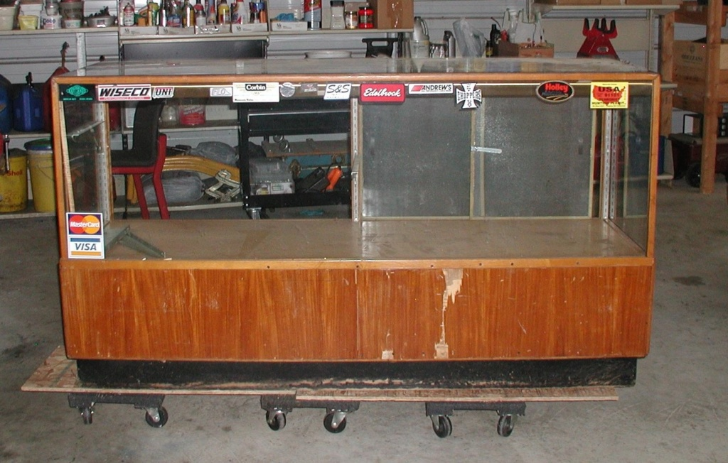Display cabinet - For free take P7040016
