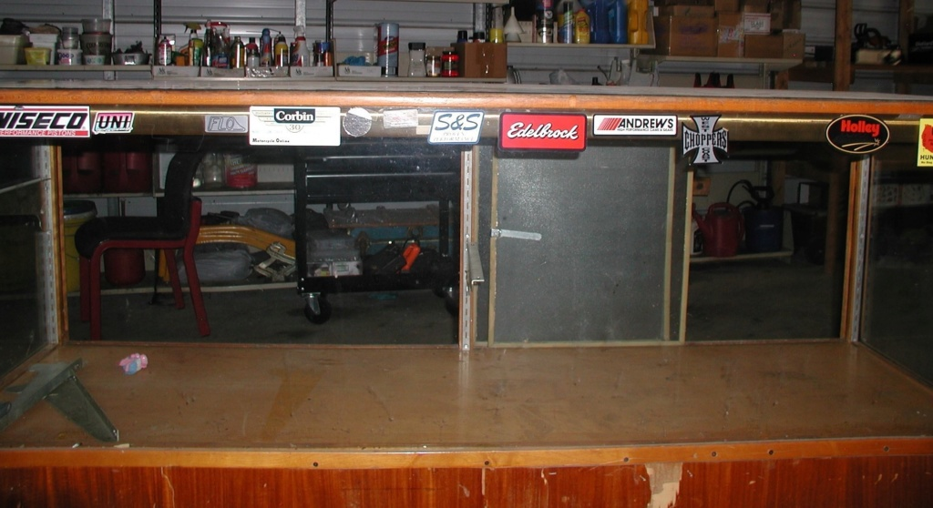 Display cabinet - For free take P7040020