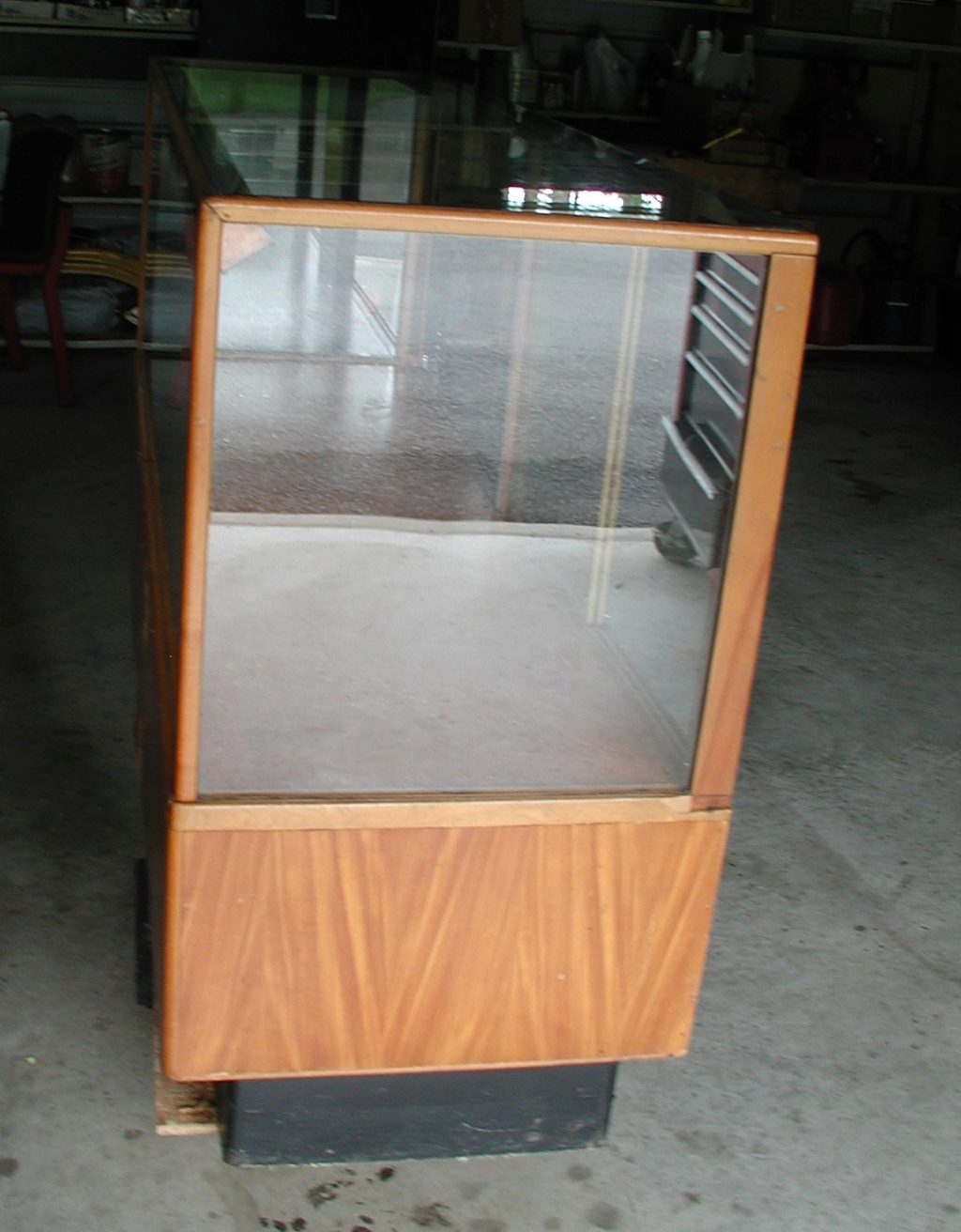 Display cabinet - For free take P7040026