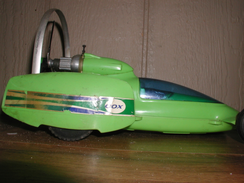 The lime green Shrike machine P7040029