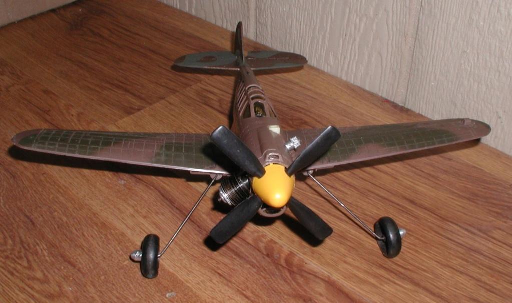 Slumin' in the Fly-em's junkyard P9120018