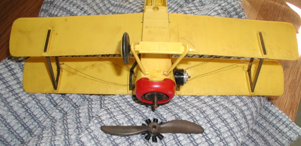 Plastic C/L model airplanes P9200015