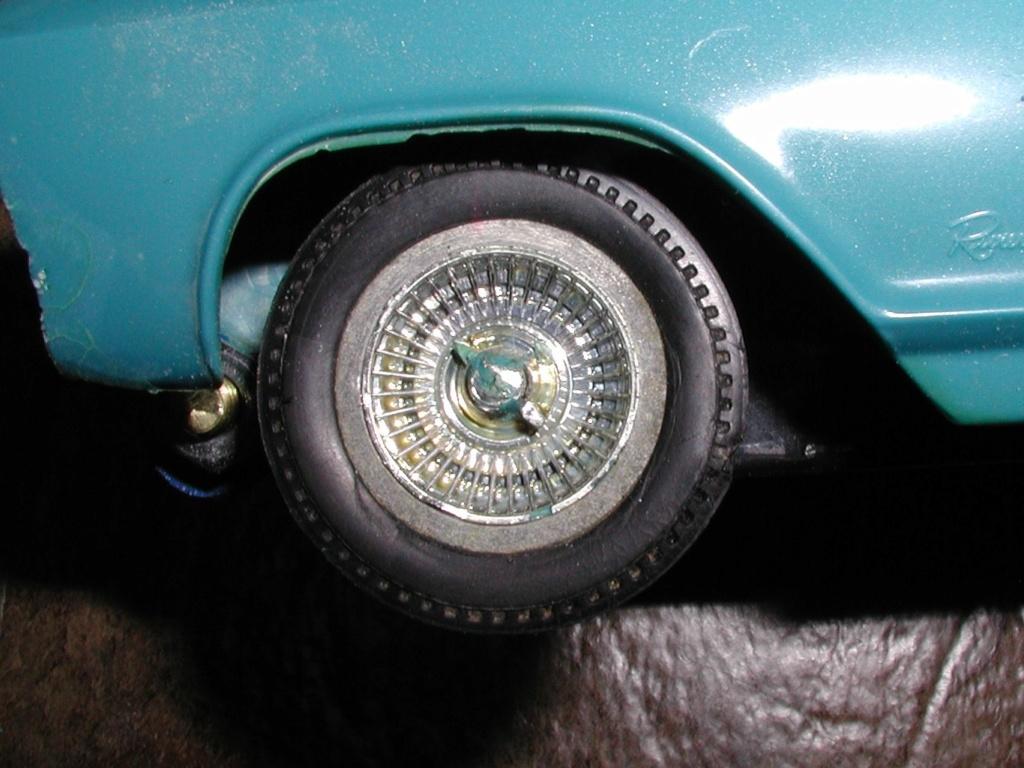 Buick Riviera - Page 2 Two_ri17