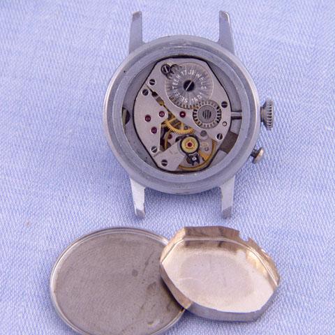 Les montres soviétiques pour aveugles 1054d10