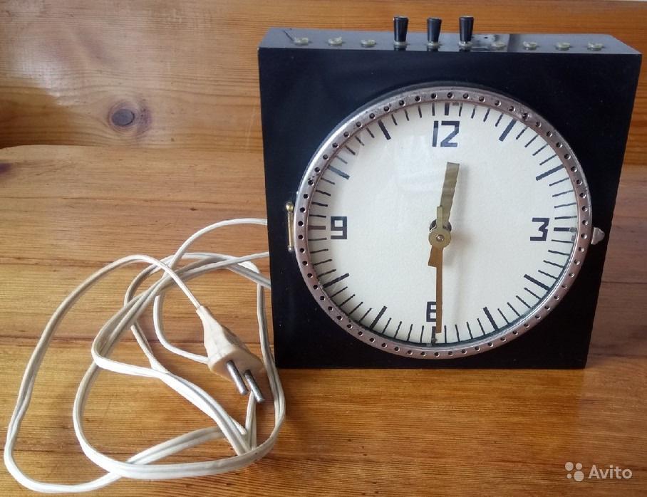 Horloge médicale de la Fabrique EMA de Moscou 53049010